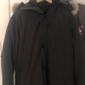 XL Graphite Mens Canada Goose with Fur Hood